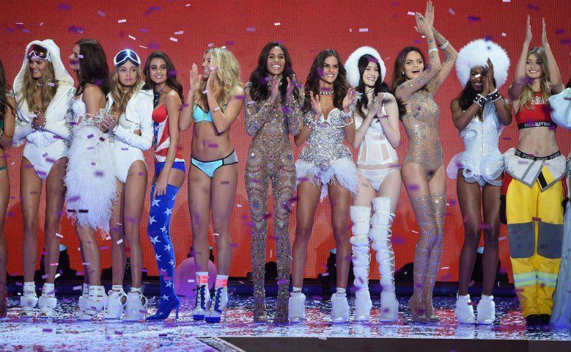 Victoria's Secret открывает первый магазин в России