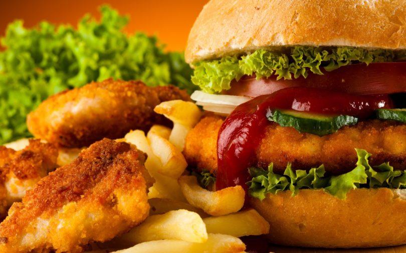 Один раз увидеть: McDonald's показал, как делает еду (видео)