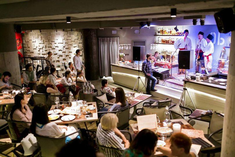 В ТЦ Globus открылся новый ресторан «Остання барикада» (+фото)