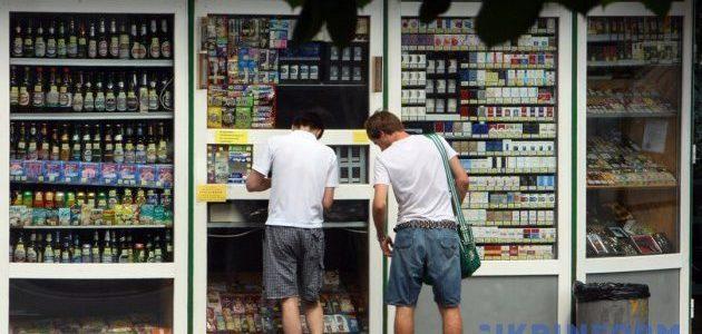 Трезвости бой: АМКУ вернул алкоголь в столичные МАФы