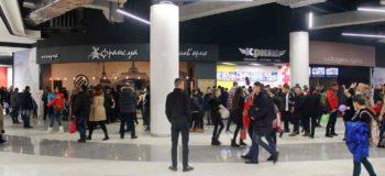 Lavina Mall виселяє орендарів фуд-корту. Готує місце під H&M?