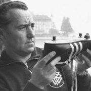 От мирового лидера до догоняющего: история компании Adidas