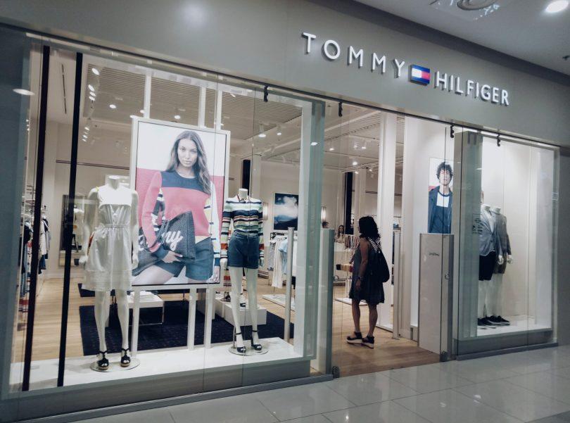 6559d5f68485 В ТРЦ Gulliver открылся магазин Tommy Hilfiger