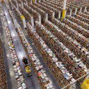 Одяг та товари першої необхідності: скільки Amazon заробляє на своїх брендах