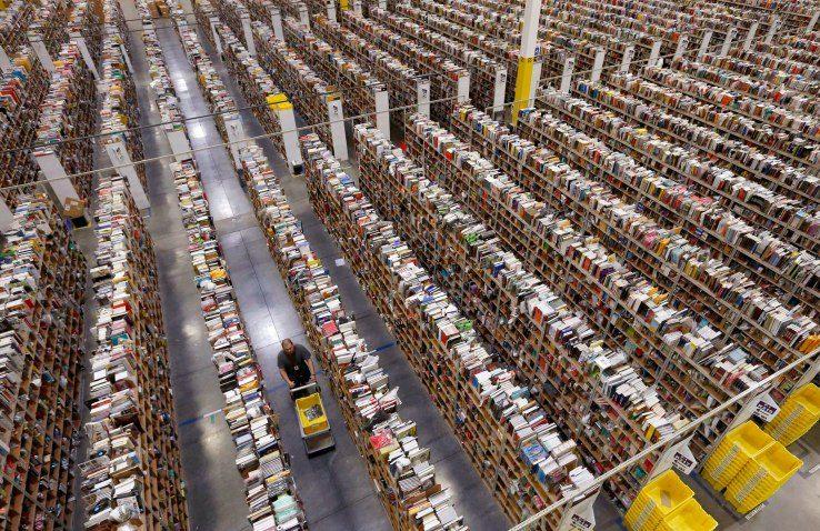 Одяг та товари першої необхідності  скільки Amazon заробляє на своїх  брендах ... bc5a7381ceb61