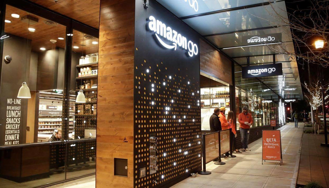 Справа техніки  як традиційні рітейлери конкурують з магазинами Amazon Go  ecf33824c82a7