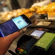 С iPhone в АТБ  сеть дискаунтеров внедрила оплату с помощью Apple Pay bdb78690824f8