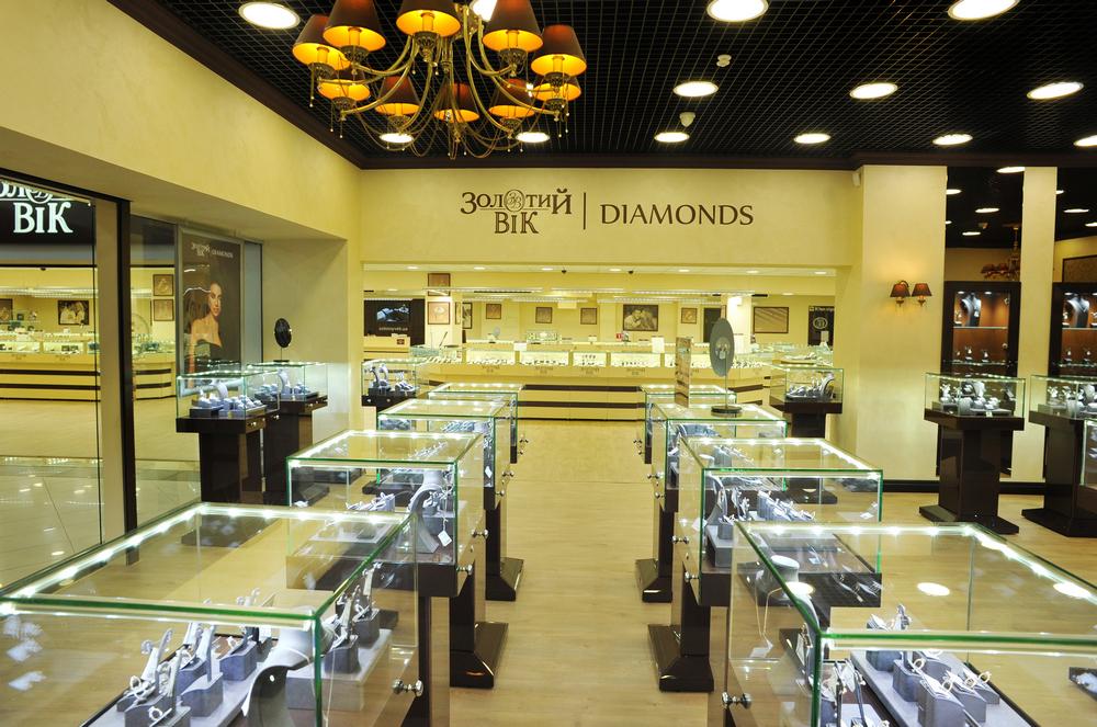 Золотий Вік впроваджує новий формат ювелірних магазинів (фотоогляд) ce30ee8106e32