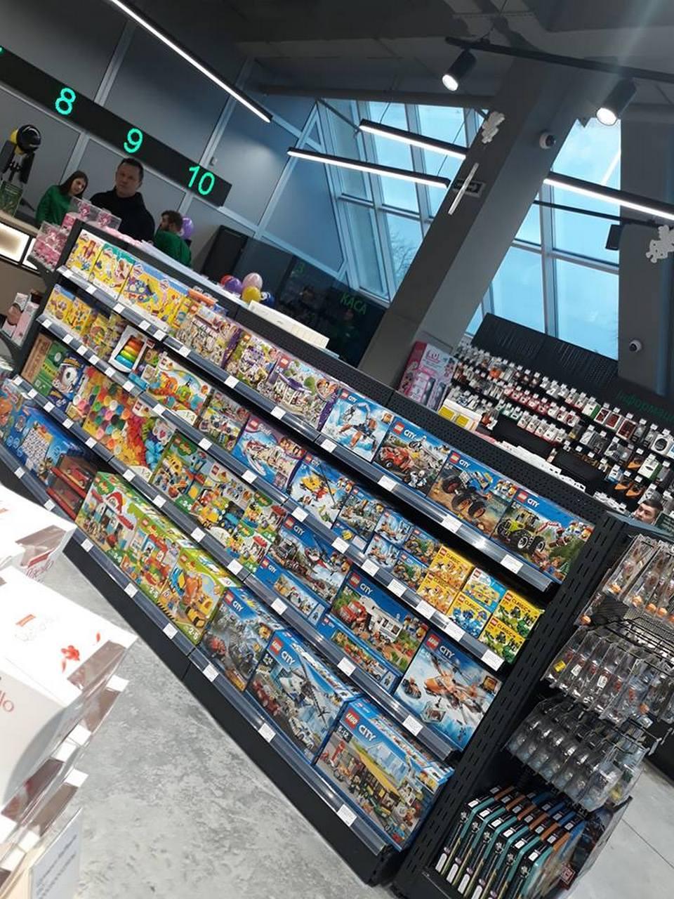 70b99baeebe0e Как выглядит новый магазин Rozetka в Киеве на улице Киото (+фото)