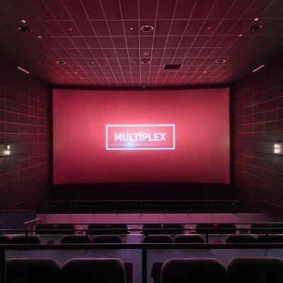 У Києві дозволили роботу кінотеатрів, театрів, басейнів, кафе та ресторанів