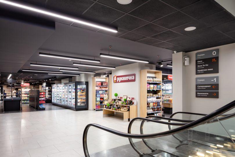 Большая Рукавичка: как выглядит новый флагманский магазин сети в центре Львова (фотообзор)