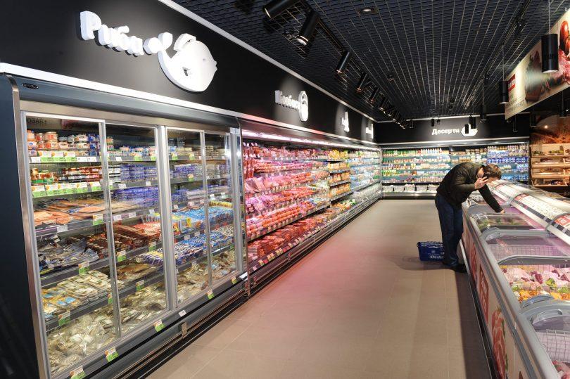 Одна людина на 10 кв. м: у Києві вводять нові обмеження для магазинів і аптек