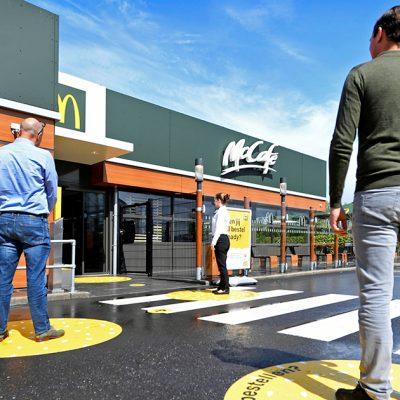 McDonald's открыл первый «антивирусный» ресторан (фотообзор)