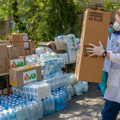 EVA и Varus взяли шефство над родильным отделением Днепропетровской областной больницы имени Мечникова