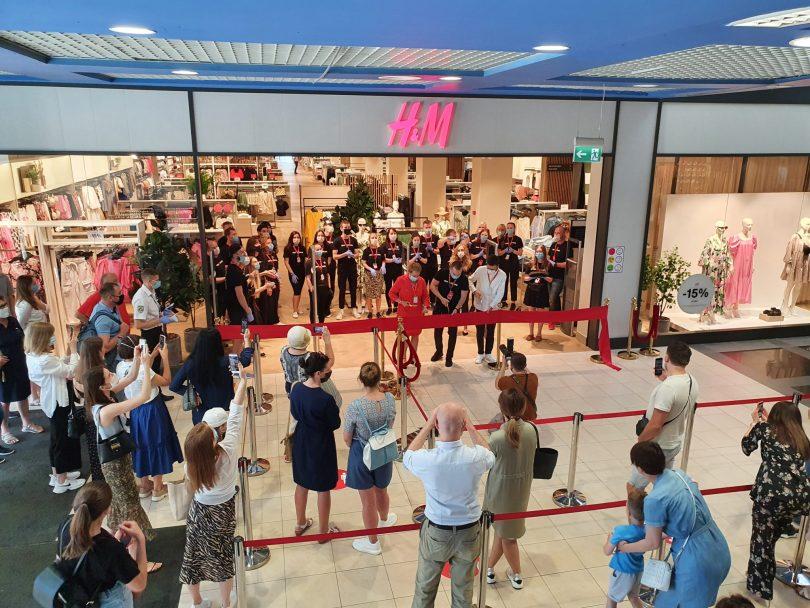 Последствия карантина: выручка H&M в Украине снизилась на 76%