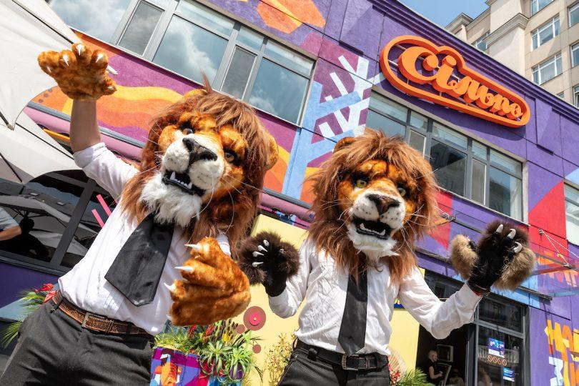 Лев і Самсон: як виглядає новий оригінальний Сільпо на столичному Подолі (фотоогляд)
