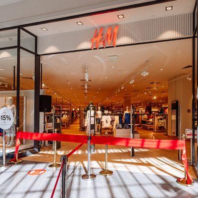 Пятый в Украине: H&M открыл магазин в столичный ТРЦ Retroville (фоторепортаж)