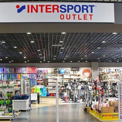 Перший і найбільший: у столичному ТРЦ Dream Town відкривається гіпермаркет Intersport Outlet