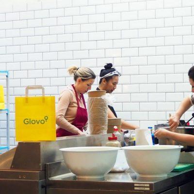 Сервіс Glovo запустив перший «dark store» та другу «хмарну кухню» на ринку України
