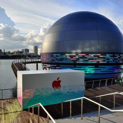 Apple експериментальний: магазини на воді та у вигляді дерева (фотоогляд)