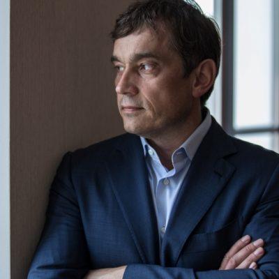 Василь Хмельницький веде переговори про продаж своєї частки у компанії UDP