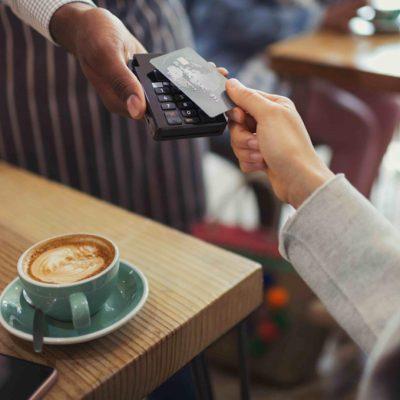 Дослідження Poster: 53% рахунків у ресторанах Києва сплачуються банківськими картами
